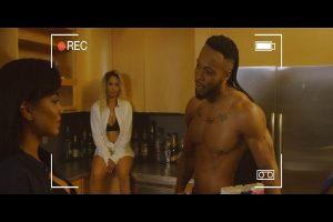 VIDEO: Flavour – Loose Guard ft. Phyno