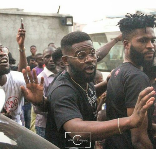 Award Winning Rapper Falz Spotted Giving Christmas Gifts To People. Photos