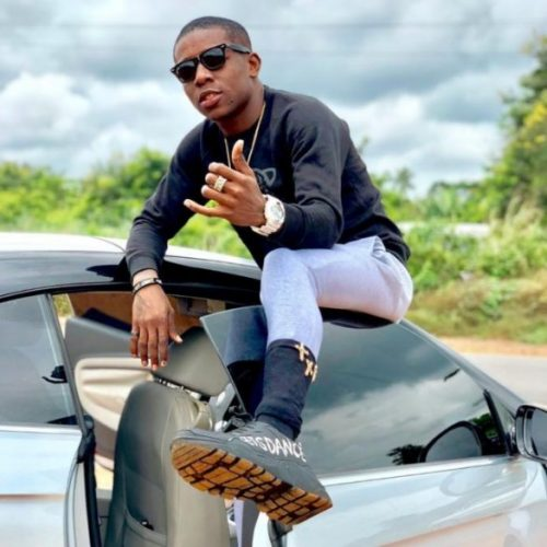 SMALL DOCTOR FURIOUS AFTER A MAN BASHED HIS PORSCHE AT LAGOS AIRPORT | WATCH VIDEO